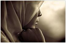 """قانون حظر الحجاب الكامل في فرنسا سيكون """"هشا سياسيا وقانونيا"""""""