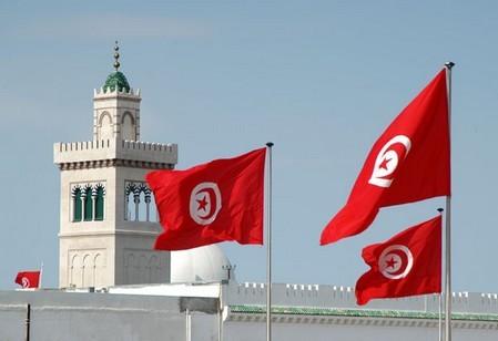 لقاء إعلامي بتونس يحث الفاعلين الاقتصاديين على الاستفادة من الامتيازات التي يمنحها الإطار القانوني للتبادل التجاري بين البلدين