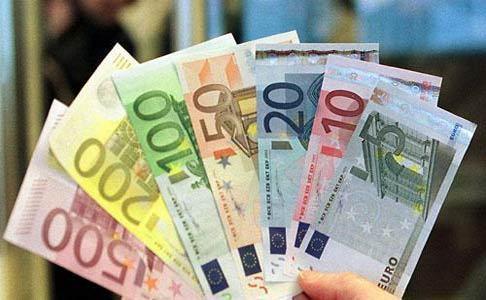 التحويلات المالية لمغاربة العالم تنتقل إلى 38 مليار درهم