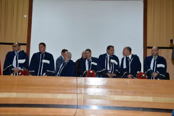 مناقشة أطروحة في موضوع تفاعلات الدولة المركزية والدولة الترابية بالمغرب بين ثنائية مبدأ التدبير الحر ووحدة الدولة