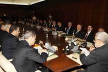 مجلس الحكومة يصادق على مشروع مرسوم  يقضي بتحديد نظام أساسي نموذجي لجمعيات حماية المستهلك التي يمكن الاعتراف لها بالمنفعة العامة