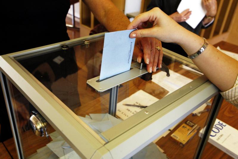 في حكم صادر بتارخ 7مارس 2013، المحكمة الإدارية بالرباط تؤسس لكون موعد إجراء الإنتخابات يعتبر أجلا قانونيا لا يمكن المساس به بأي حال من الأحوال