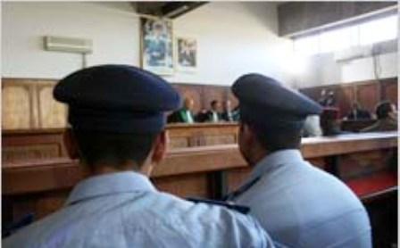 نسخة كاملة من القرار الصادر عن محكمة الإستئناف بالقنيطرة في القضية المعروفة لدى الرأي العام بشرطي بلقصيري الذي قتل ثلاثة من زملائه