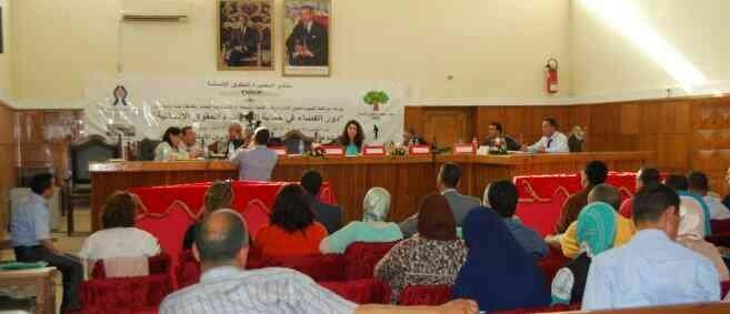 قضاة وحقوقيون يناقشون بالمحكمة الابتدائية بسوق أربعاء الغرب دور القضاء في حماية الحقوق والحريات