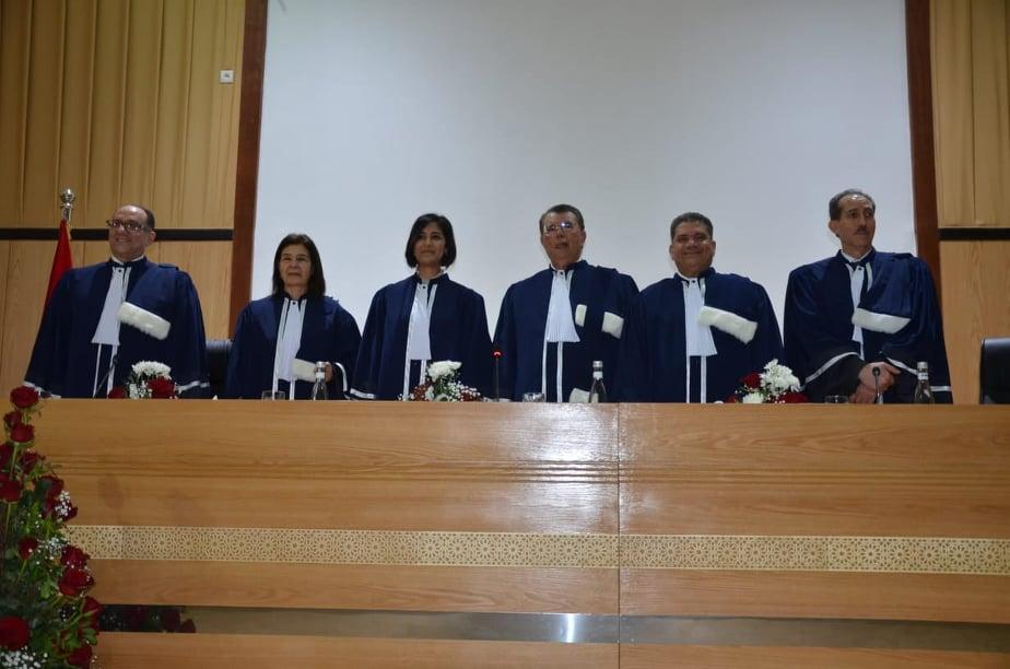 """تقرير حول مناقشة أطروحة لنيل درجة الدكتوراه في القانون الخاص حول موضوع """"نحو سياسة جنائية ملائمة لمكافحة الفساد بالمغرب""""، من اعداد الطالبة الباحثة كوثر بوعسرية"""