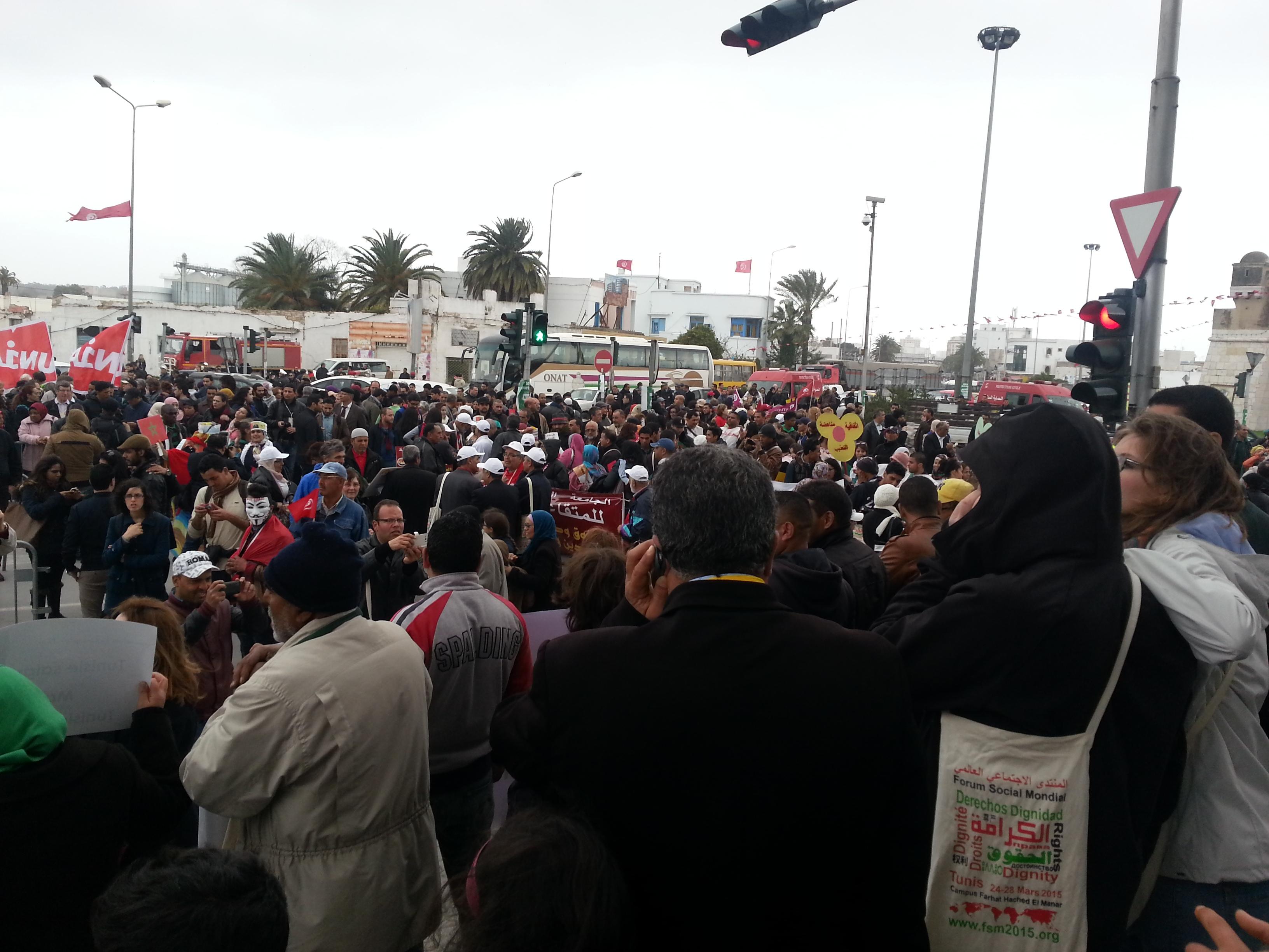 تقرير حول مشاركة جمعية المغاربة ضحايا الطرد التعسفي من الجزائر  في أشغال المنتدى الاجتماعي العالمي 2015 بالعاصمة التونسية